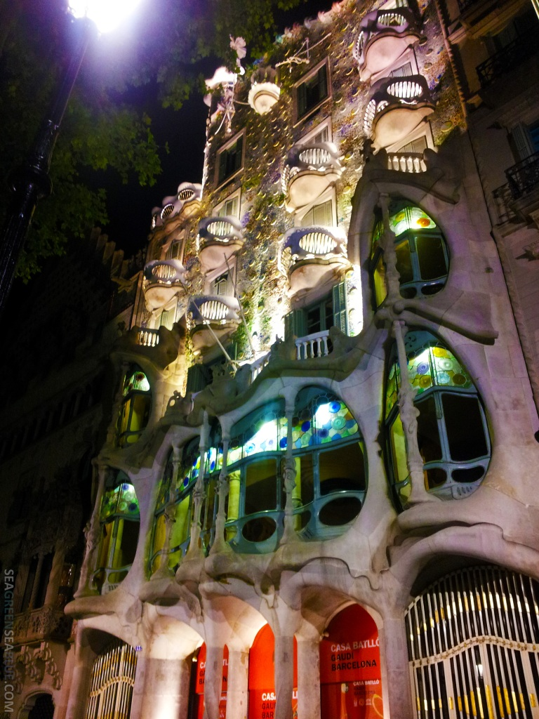 Barcelona-Casa-Batllo-Sea-Green-Sea-Blue