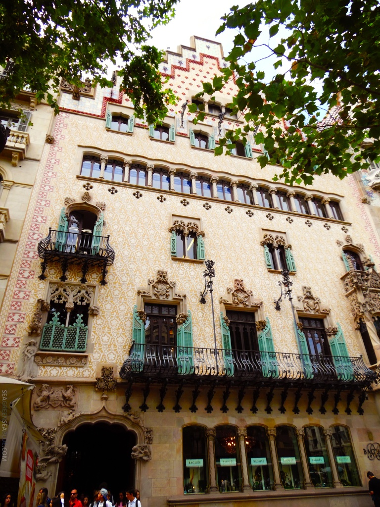 Barcelona-Casa-Josefina-Bonet-Sea-Green-Sea-Blue