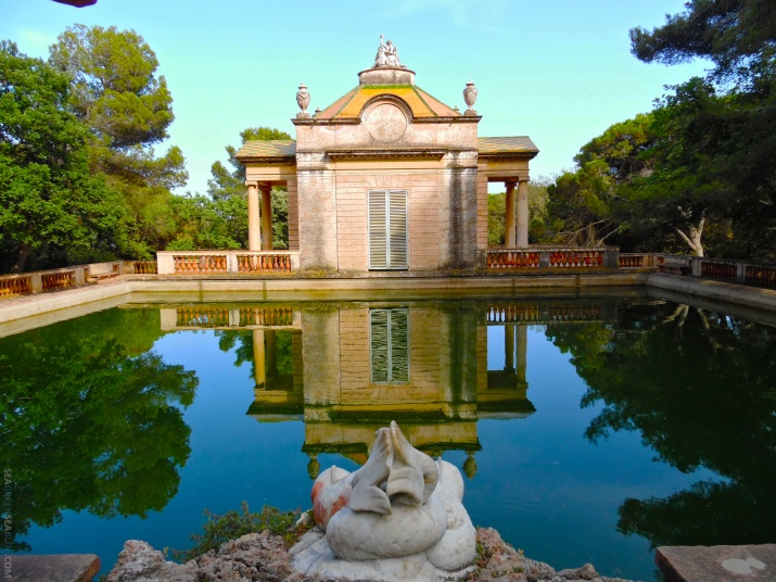 Barcelona-parc-del-laberint-d'horta-Sea-Green-Sea-Blue