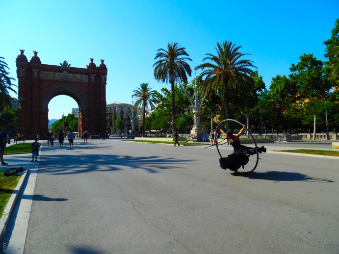 Barcelona-Arc-De-Triomf-Sea-Green-Sea-Blue