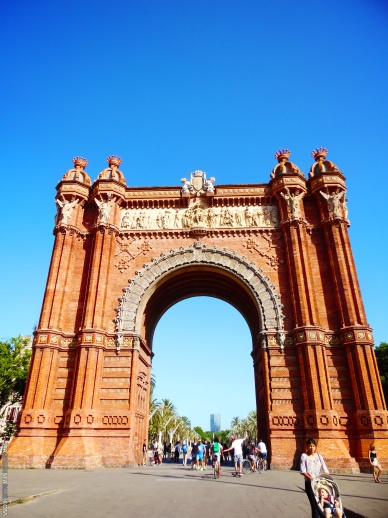 Barcelona-Arc-De-Triomf-Sea-Green-Sea-Blue2