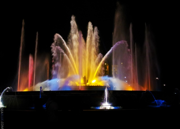 Barcelona-MagicFountain-Sea-Green-Sea-Blue2
